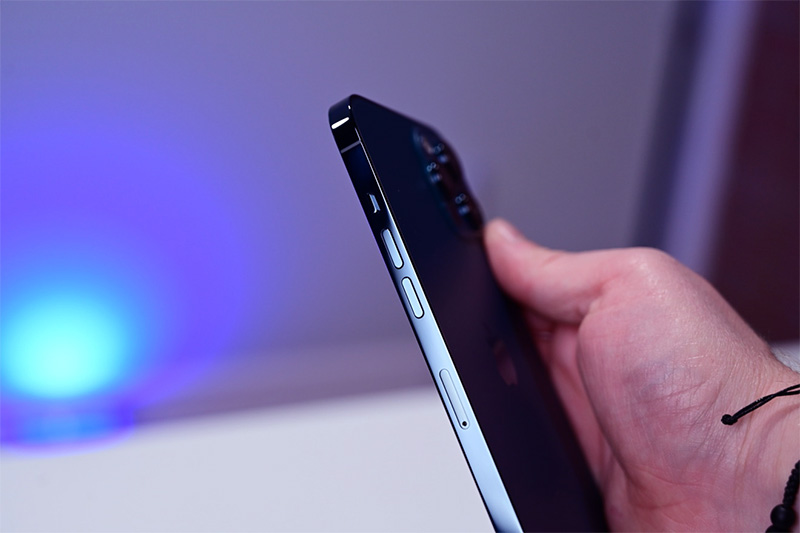 display of iphone 12 pro max
