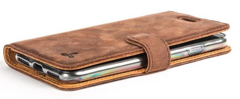 iPhone SE case: Snakehive Vintage Chestnut Brown Wallet