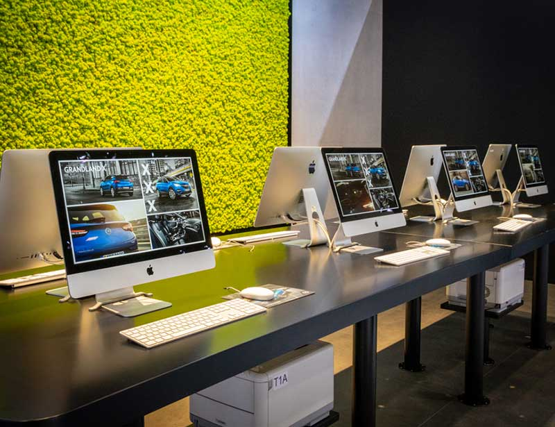 Refurbished iMac: 21.5-inch iMac with 2.3GHz dual core and Intel Core i5