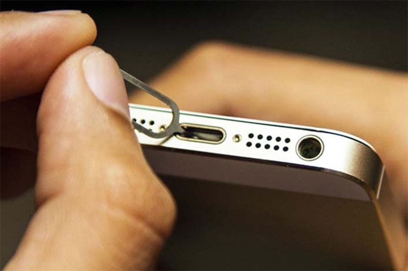clean iphone charging port